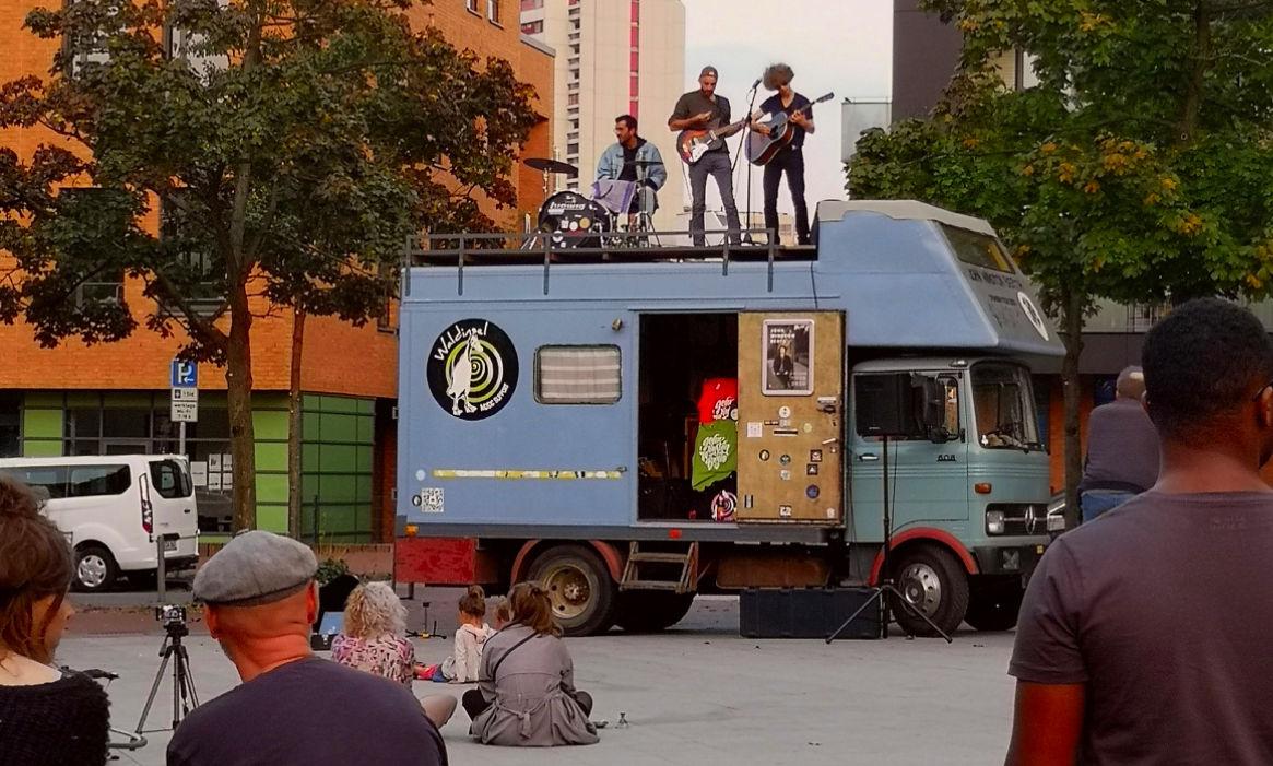 Waldinsel - Lasterkonzerte - LKW Bühne im Live-Einsatz
